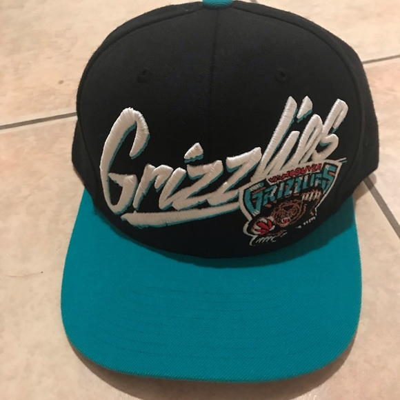 Mitchell & Ness Other - Vancouver Grizzlies SnapBack